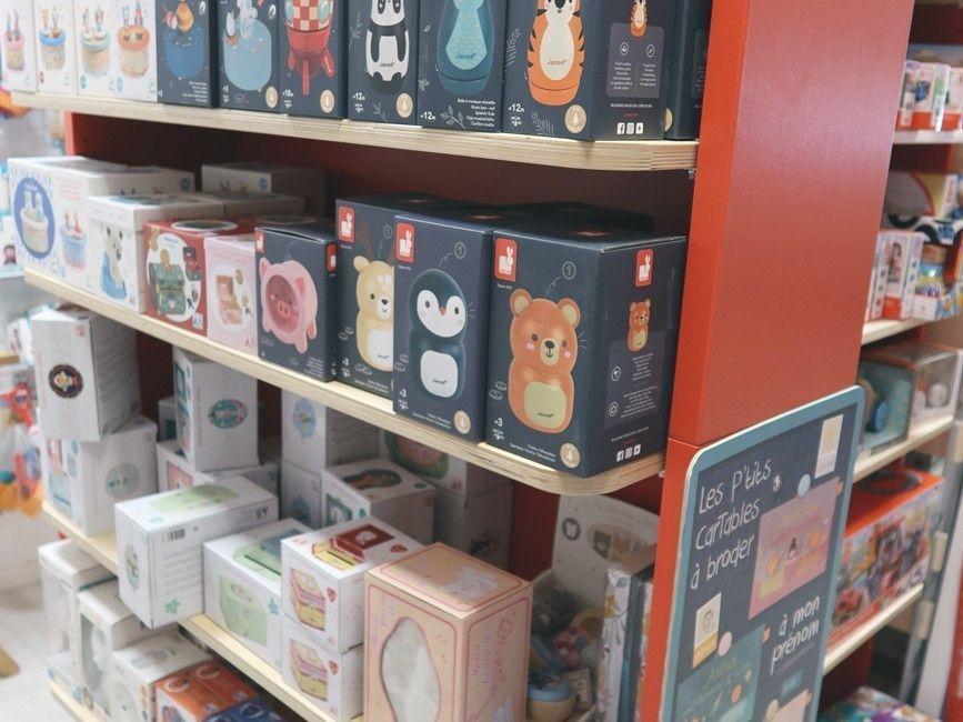 Boutique de jeux et de jouets premier page et naissance à Castelnaudary
