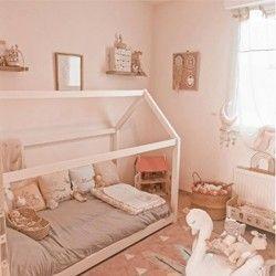 Maison de poupées pour chambre d'enfant déco  sur Instagram @bcdjeux